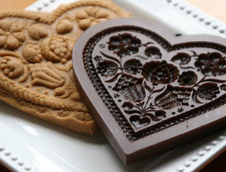 Pomegranate-Heart-Cookie-Mold