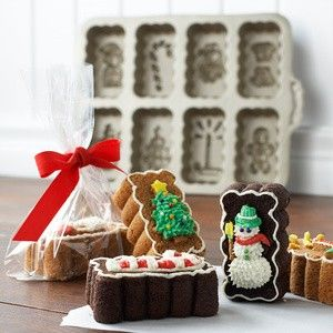 Holiday-Mini-Loaves-Cakelet-Pan